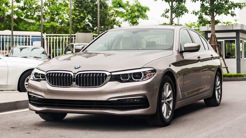 Khuyến mãi mua xe BMW 520i giảm giá gần 400 triệu đồng - Ảnh 1