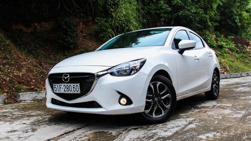Mazda 2 được làm mới với thiết bị mới và hầu hết mô hình GT