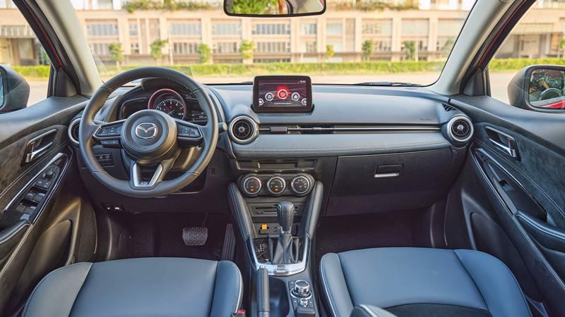 Thông số kỹ thuật và trang bị xe sedan Mazda 2 2020 mới tại Việt Nam - Ảnh 5