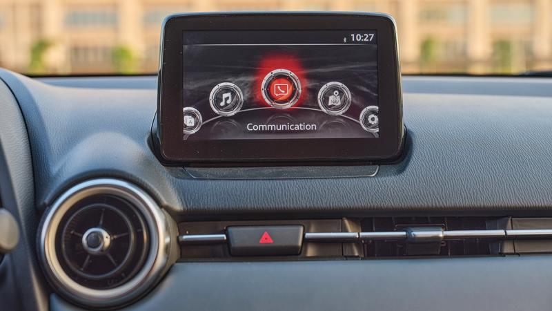 Thông số kỹ thuật và trang bị xe sedan Mazda 2 2020 mới tại Việt Nam - Ảnh 8