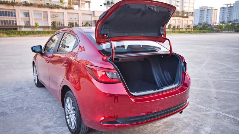 Thông số kỹ thuật và trang bị xe sedan Mazda 2 2020 mới tại Việt Nam - Ảnh 9