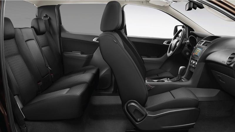Chi tiết bản cao cấp Mazda BT-50 3.2 AT 4x4 2019 so với đối thủ - Ảnh 5