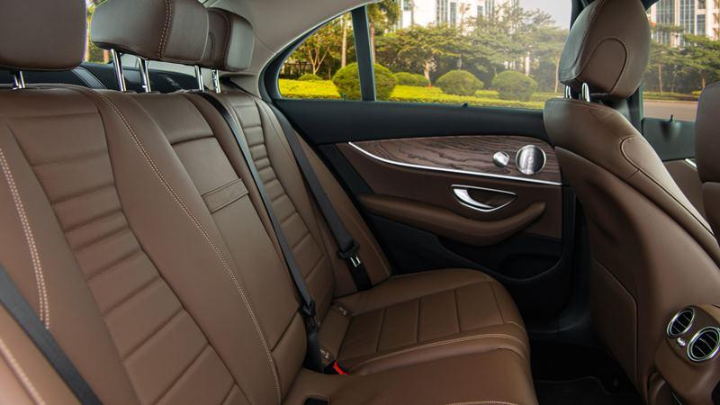 Mercedes E 200 Exclusive 2020 mới tại Việt Nam có giá 2,29 tỷ đồng - Ảnh 7