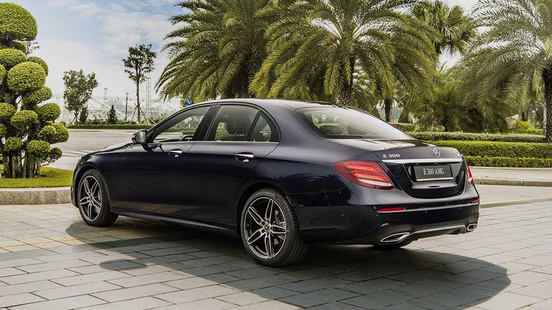 Giá xe Mercedes E 300 AMG 2019 tại Việt Nam từ 2,833 tỷ đồng - Ảnh 2
