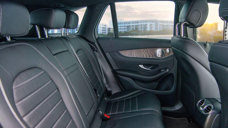 Thông số kỹ thuật và trang bị xe Mercedes GLC 200 2020 tại Việt Nam - Ảnh 4