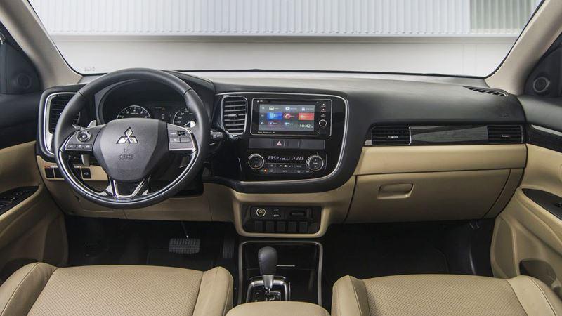 Thông số và trang bị chi tiết xe Mitsubishi Outlander 2018 lắp ráp - Ảnh 7