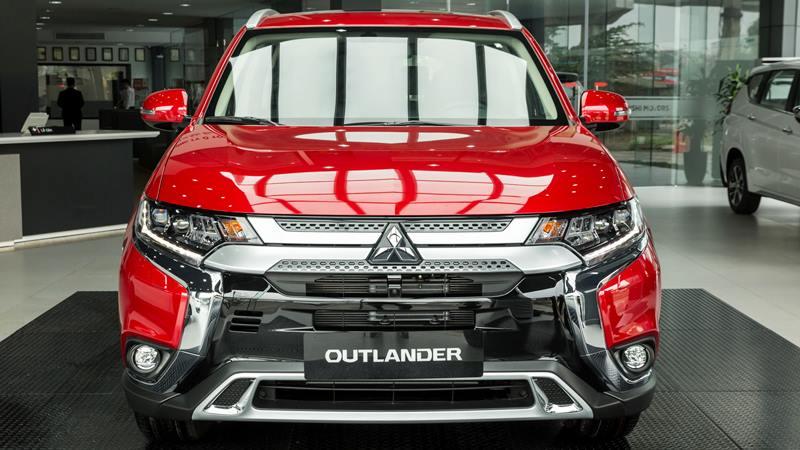 Bản cao cấp Mitsubishi Outlander 2.4 CVT Premium 2020 giá 1,058 tỷ đồng - Ảnh 2