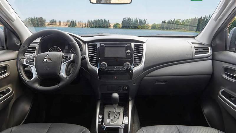 Chi tiết xe Mitsubishi Triton Mivec 4x2 AT 2018 tại Việt Nam - Ảnh 4
