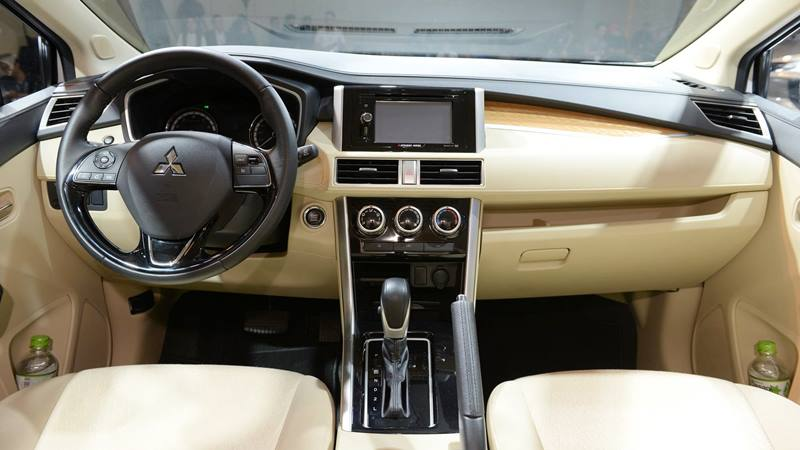 Mitsubishi Xpander chính thức ra mắt tại Việt Nam, giá sốc 550 triệu đồng - Hình 2