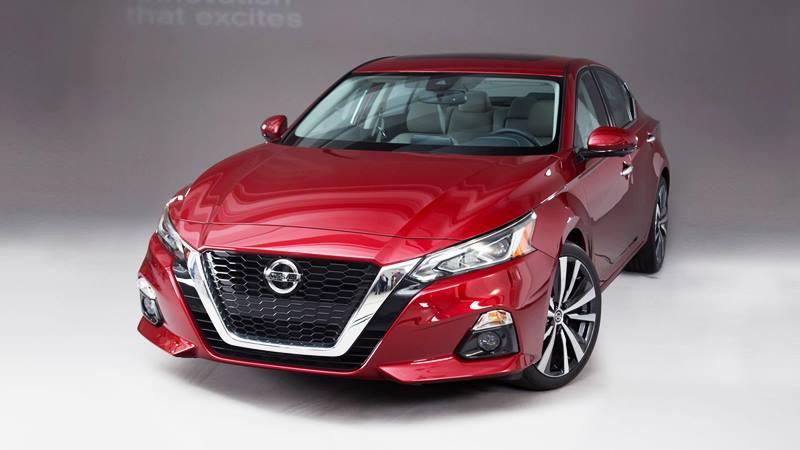 Nissan Teana - sedan sang trọng với mức giá hợp lý tại Việt Nam - Hình 1