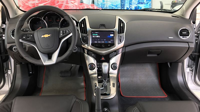 Đánh giá chi tiết xe Chevrolet Cruze 2018 - Hình 2