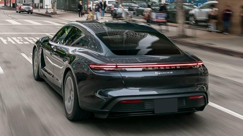 Giá bán xe điện Porsche Taycan tại Việt Nam từ 5,7 tỷ đồng - Ảnh 5