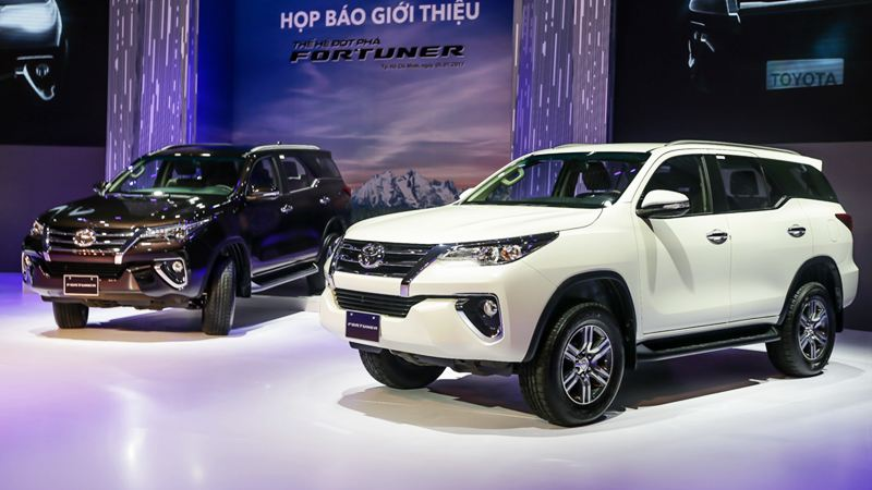 ra-mat-toyota-fortuner-2017-tuvanmuaxe_vn-1