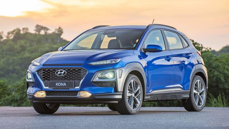 So sánh xe Hyundai Kona và Toyota Corolla Cross mới - Ảnh 2