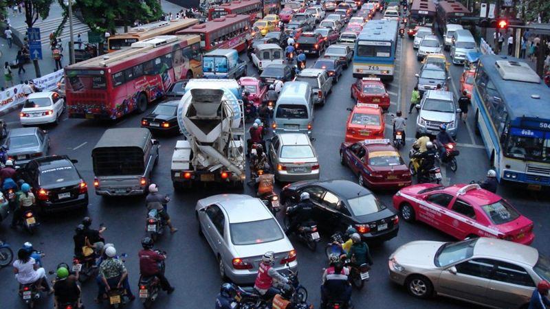 Làm thế nào để tăng sự an toàn khi lái xe ô tô trên đường - Ảnh 1