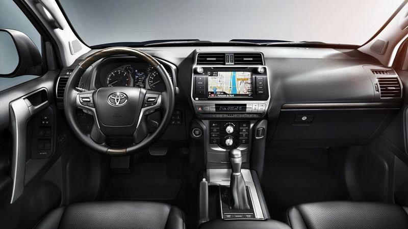 Toyota Land Cruiser Prado 2018 có giá 2,262 tỷ đồng tại Việt Nam - Ảnh 3