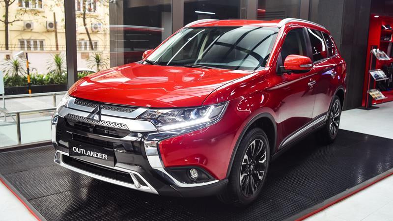 Chi tiết TSKT xe Mitsubishi Outlander 2.4 CVT 4WD Premium 2020 mới - Ảnh 1