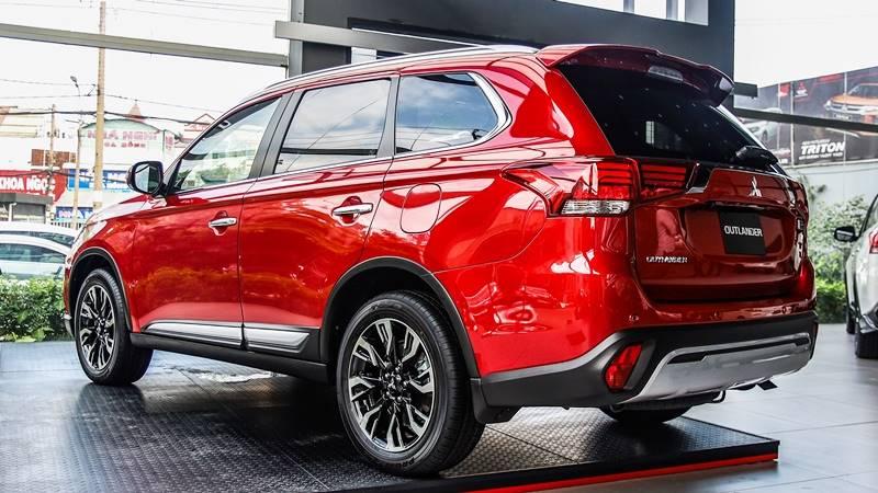 Chi tiết TSKT xe Mitsubishi Outlander 2.4 CVT 4WD Premium 2020 mới - Ảnh 4