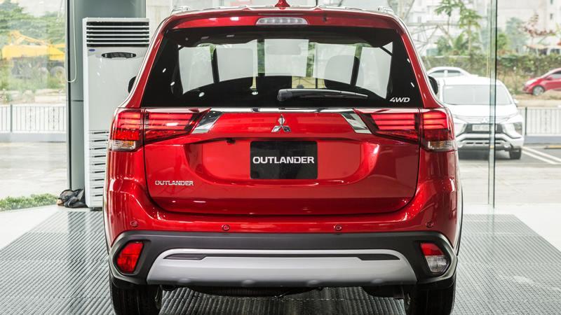 Chi tiết TSKT xe Mitsubishi Outlander 2.4 CVT 4WD Premium 2020 mới - Ảnh 3