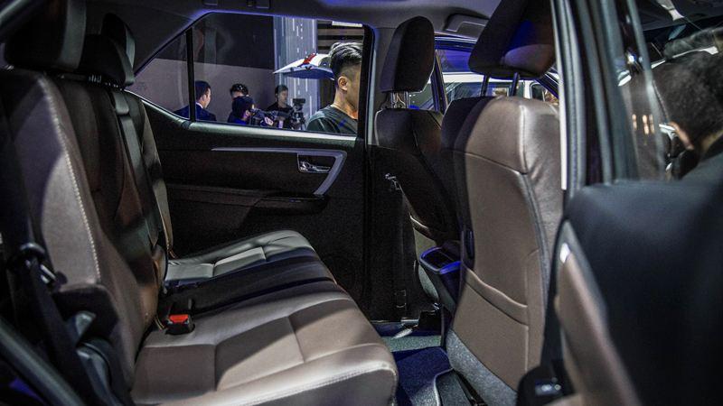 Thông số kỹ thuật Toyota Fortuner 2017 tại Việt Nam - Ảnh 10