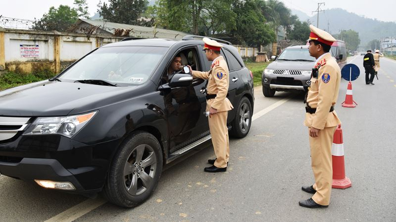 Mức phạt vi phạm giao thông áp dụng từ 1/1/2020 - Ảnh 1
