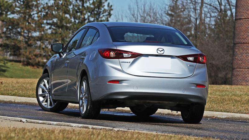 Đánh giá ưu nhược điểm xe Mazda 3 2017-2018 1